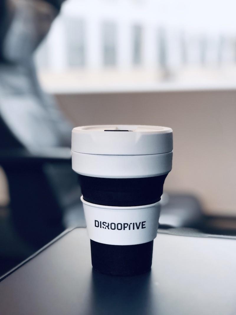 coffee-to-go-kaffeebecher-unterwegs-kaffee